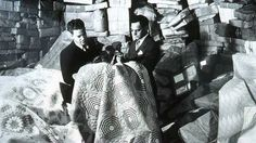 Two men in a warehouse looking at quilts Shelly Zegart Archives Vintage Quilts Patterns, Vintage Textiles, Quilt Patterns, Bee Pictures, Quilt Pictures, Old Quilts, Antique Quilts, Vintage Photographs, Vintage Photos