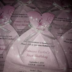 1st Birthday Princess Invites - soo cute! #crafttutorials #crafttuts+