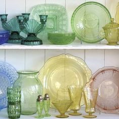 Add a distinctly vintage vibe to your table or decor with these highly collectible Depression glass pieces depressionglass glassware vintage collectible coloredglass is part of Fostoria glassware - Fostoria Glassware, Antique Glassware, Antique Bottles, Vintage Perfume Bottles, Vintage Dishware, Vintage Dishes, Vintage Decor, Vintage Cabin, Antique Dishes