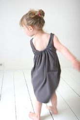 simple slouch dress, if I make it in a jersey material it will be so comfy for PJ