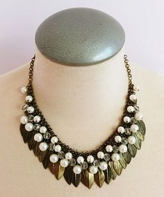 Vintage gold leaf necklace with faux pearl accent