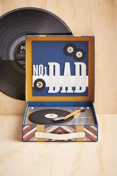 Retro record player | docrafts.com