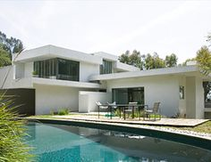 Schindler House & MAK Center for Art and Architecture, Los Angeles Architecture Wallpaper, Modern Architecture, California Architecture, Beautiful Architecture, Schindler House, Construction, Boutique Homes, Vacation Home Rentals, International Style