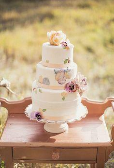watercolor cakes: Sweet Violet Bride - http://sweetvioletbride.com/2013/07/painterly-confection-watercolor-wedding-cakes/