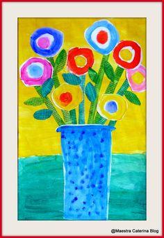 Per la Festa della Mamma abbiamo raccolto dei fiori nel giardino della Scuola e li abbiamo messi in un vas...