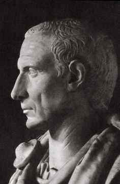 Gaius Julius Caesar. Profile. Age of Julii-Claudii. White marble. Total height: 0,36 m; height of the head: 0,26 m. Munich, Residenz