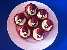 Süße Marienkäfer-Cupcakes | eatsmarter.de