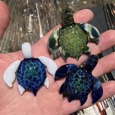 New Edition, Glass Sea Turtles: All 3 Styles – Daily Quotes Hawaiian Sea Turtle, Sea Turtle Art, Turtle Love, Cheap Crystals, Baby Sea Turtles, Fire Art, Magical Jewelry, Cute Kawaii Drawings, Polymer Clay Charms