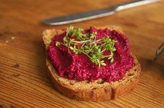 Rote Bete auf Brot