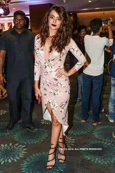 Bollywood actress Surveen Chawla at Dabboo ratnani calendar launch Bollywood News, Bollywood Actress, Punjabi Actress, Bollywood Celebrities, Hollywood Stars, Beautiful Actresses, Skirt Fashion, Indian Actresses, Singers