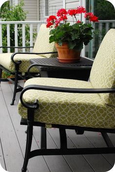 recovering patio cushions - I totally need to do this.