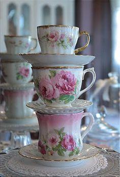 ♥ Teacups.