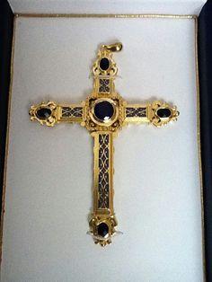 Religious Cross, Religious Jewelry, Cross Jewelry, Cross Necklaces, Perle Rare, Art Roman, Pictures Of Jesus Christ, Cross Art, Baroque