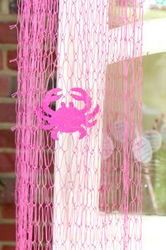 Super cute pink netting, perfect for your crabby party! PLUS 3 little wooden pink crabs, that sparkle! Oh so super cute and preppy! First Birthday Parties, Girl Birthday, First Birthdays, Crab Party, Crab Feast, Girls Party Invitations, Girl Shower, Baby Shower, Nautical Party