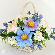 Спокойной ночи желаю вам. На фото старый букет с клематисами, уже даже и не помню, в каком году лепила). #керамическаяфлористика #ручнаяработа #цветы #букет #флористика #flowers #vkpost #handmade #bouquet