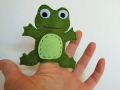 Adorable little handmade speckled frog finger puppet for the adorable little one in your life! Felt Puppets, Felt Finger Puppets, Hand Puppets, Frog Puppet, Frog Crafts, Felt Monster, Puppet Crafts, Operation Christmas Child, Felt Toys