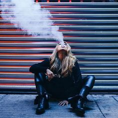 The weekend is here time to vape it up!  (photo @jfontphoton @dreamgirl_mayra)