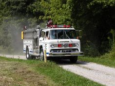 Danville Volunteer Fire Department - Danville, West Virginia - 1986 E-One Pumper/Rescue #niceride #firetrucks #pumper #setcom