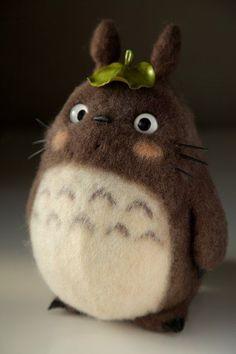 Totoro, felt toys, fetreno, totoro toys felt needle felting, felt dolls и t Needle Felted Animals, Felt Animals, Cute Crafts, Felt Crafts, Needle Felting Tutorials, Wool Art, Felt Dolls, Plush Dolls, Needle Felting