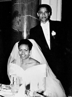 Barack and Michelle Obama's wedding photo #weddings