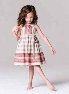 Little Goodall, vestidos artesanales en Etsy http://www.minimoda.es