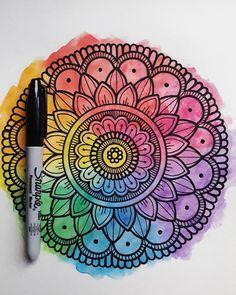 🌈 _ _ _ _ _ _ _ #mandala #mandalas #zentangle #mandalaart #mandalaswithshantal #sharpie #arcoiris #acuarela #colores #color #mandaladrawing Doodle Art Drawing, Mandalas Drawing, Mandala Coloring Pages, Zentangles, Mandala Art Lesson, Mandala Artwork, Dibujos Zentangle Art, Watercolor Mandala, Doodle Art Designs