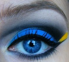Finding Nemo: Dory Inspired eye make up Dory Makeup, Makeup Geek, Makeup Addict, Eye Makeup, Hair Makeup, Movie Makeup, Night Makeup, Lime Crime Makeup, Looks Halloween
