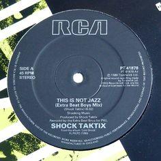 Edizione originale 1988. No ristampa.<br />Lato A: This Is Not Jazz (Extra Beat Boys Mix)<br />Lato B: Time Beat Time<br />Copertina e Vinile perfetti. Mint<br />Stampato in U.K.<br /><br />Electronic Synth pop [9,90€]