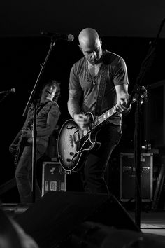 Chris Daughtry (The guy my husband loves to hate).