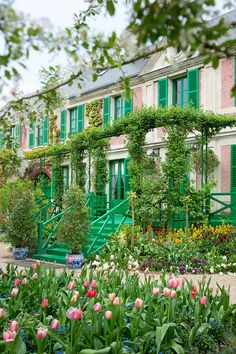 Claude Monet's house and gardens. Claude Monet House, Monet Garden Giverny, Resorts, Giverny France, French Style Homes, French Architecture, French Countryside, Enchanted Garden, Garden Planning