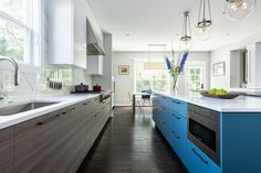 Award-Winning Gallery of Jennifer Gilmer's Custom Kitchen & Bath Design Remodeling Projects in DC, Maryland, & Virginia. Waterfall Countertop, Southern Living Homes, Ikea, Kitchen And Bath Design, Family Kitchen, Table Seating, Base Cabinets, Cuisines Design, Custom Design