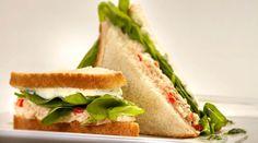 Sándwich de atún, rúcula y queso