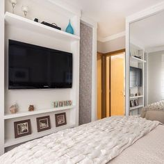 Simples, aconchegante e clean ✨Quem gostou??? ☝️❤️ Via: @decorcool ARCHITECTURE   INTERIORS   BEDROOM