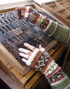 Inca Alpaca Fair Isle Mitts pattern by Robin Melanson - Knitting Fair Isle Knitting, Lace Knitting, Knitting Stitches, Knitting Designs, Knitting Patterns, Knitting Tutorials, Knitting Machine, Vintage Knitting, Stitch Patterns