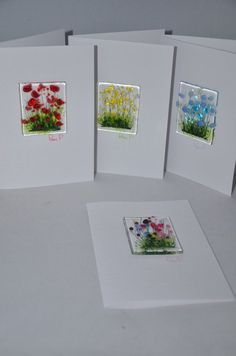 Handmade Fused Glass Art Cards Poppy Daisy by PamPetersDesigns Could make as necklaces to detatch and wear. Fused Glass Jewelry, Fused Glass Art, Mosaic Glass, Glass Fusion Ideas, Glass Flowers, Wild Flowers, Daisy Flowers, Glass Fusing Projects, Art Carte