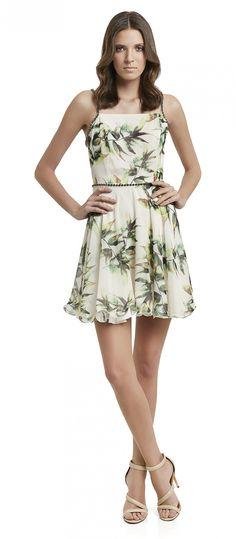 63b107d91 vestido curto barra soltinho acinturado decote reto alcinha com detalhes em  strass na cintura e alça