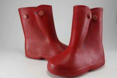 those little red boot/galoshes Yes, the kind that went over shoes!then you had to put a plastic sack over your shoes in side the boots lolol bc it was hard being a child then lolol bc Photo Vintage, Look Vintage, Vintage Stuff, My Childhood Memories, Sweet Memories, Childhood Toys, Sweet Sixteen, Baby Boomer, Red Boots