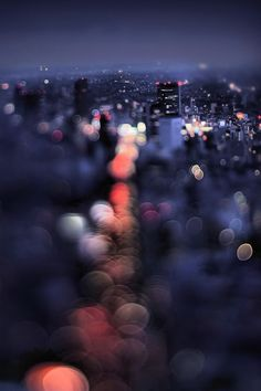 Stretching and reversing conventions for balancing foreground and background, one urban photographer in Tokyo is taking the Japanese concept of Bokeh to dazzling extremes. Bokeh (which translates a… Bokeh Photography, Urban Photography, Abstract Photography, Night Photography, Creative Photography, Street Photography, Landscape Photography, Profile Photography, Tilt Shift Photography