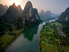 Yangtze River - China. Somewhere I am dying to go after visiting China in 2008 - unfortunately we didnt get time to see the Yangtze!