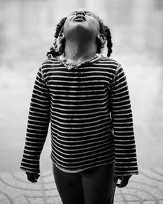 Aprender a bailar bajo la lluvia de eso va la vida...#conmiradademadre de @nereagaraizar que nos chifla. Foto destacada por @marywilson