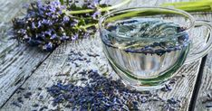 Lavender-infused water: The scent of vanilla helps reduce anxiety, which is often associated with depression. Kiss The Cook, Beverages, Drinks, Infused Water, Iftar, How To Dry Basil, Herbs, Cooking, Food