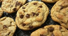 I cant thing of when last i had a chocolate chip cookie mmm. Chocolate Chip Cookies, Food And Drink, Chips, Breakfast, Starbucks, Zucchini, Desserts, Recipes, Inspiration