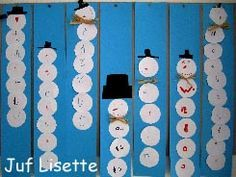 Practice your name! and cut circles . You are in the right place about knippen kleuters Here w Winter Art, Winter Colors, Winter Theme, Winter Activities, Christmas Activities, Diy Crafts To Do, Crafts For Kids, Globe Crafts, Paper Balls