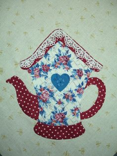 I ❤ embroidered applique . . .  BIRDHOUSE TEA BLOCK - AUGUST 2010 ~By Happy 2 Sew