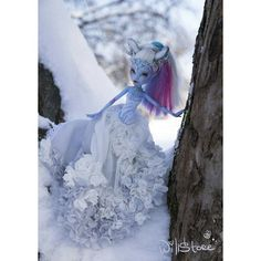 You can buy this doll in our #etsy shop! #abby #ooak #custom #doll #dolls #repaint #faceup #winter #monsterhigh #mh #mattel #barbie #EAH #white #snow #blue #dollstagram #silver