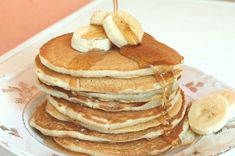 Банановые панкейки пошаговый рецепт с видео и фото – завтраки Banana Pancakes, My Recipes, Food And Drink, Yummy Food, Baking, 1 Egg, Breakfast Ideas, Cook, Food