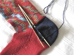 How to reknit just the heel - if the holes in the under heel aren't too large you can replace just the heel - saves lots of time and you have a new pair of socks! Knitting Stitches, Knitting Socks, Knitting Needles, Hand Knitting, Knitting Patterns, Knit Socks, Crochet Tools, Knit Crochet, Diy Arts And Crafts