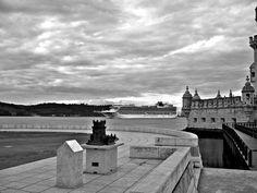 The Love boat... - O barco do amor.... na chegada à Torre de Belém.