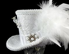 White on White Elegant Wedding Mini Top Hat by TheWeeHatter Steampunk Top Hat, Steampunk Wedding, Steampunk Clothing, Steampunk Necklace, Gothic Steampunk, Victorian Gothic, Steampunk Fashion, Gothic Lolita, Mad Hatter Hats