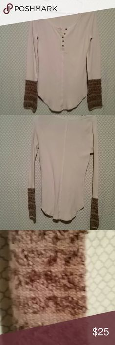 ♡Today's Deal ♡ Free People size Medium Excellent condition Free People shirt unique sleeves light pink shirt mix of Browns in the sleeve Free People Tops
